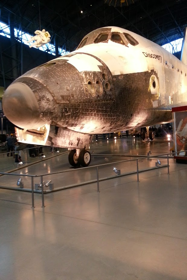 The spacehuttle Discovery from the Air & Space Museum in Northern Virginia.