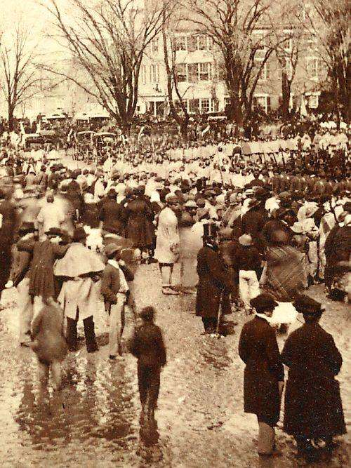 A crowd of people milling about, waiting on Lincoln's second inauguration speech