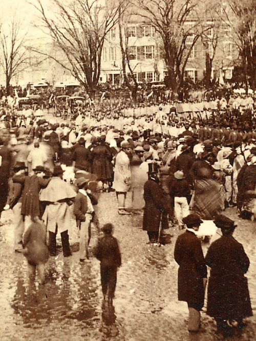 A crowd of people milling about, waiting on Lincoln's second inauguration speech.
